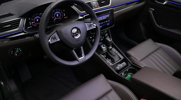 skoda SUPERB COMBI 1.5 TSI DSG L&K Executive