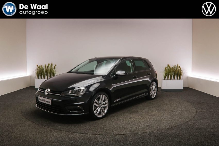 Occasions Volkswagen Golf 1.6 TDI 110pk Connected Series (NB-603-R)